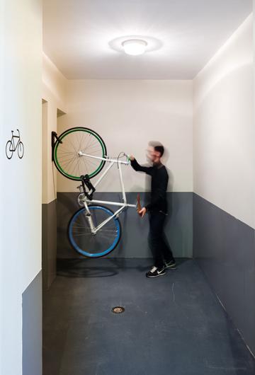 Deskopolitan garage velos