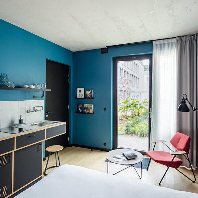 Deskopolitan House chambre bleue